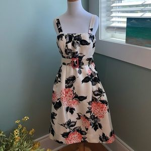 Gorgeous fit and flare dress. Worn once.